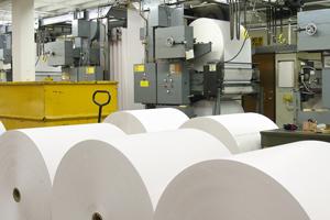 抄紙工程のマシンオペレート